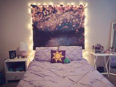 The Effective Pictures We Offer You A Tangled Room, Rapunzel Room, Cute Bedroom Ideas, Bedroom Themes, Bedroom Decor, Bedroom Lanterns, Ideas Decorar Habitacion, Disney Themed Bedrooms, Deco Disney