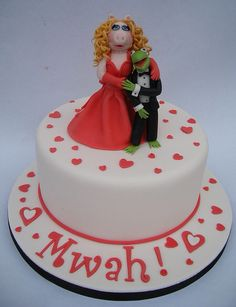 Kermit and Miss Piggy Cake