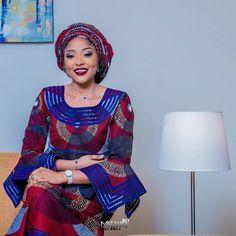 Hausa Novel: Rayuwar Najwa ( By Ummu Basheer ) African Dresses For Women, African Print Dresses, African Print Fashion, Africa Fashion, African Fashion Dresses, African Attire, African Wear, African Women, Fashion Prints
