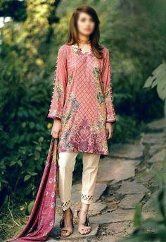 Trousers!!!!!! Kurta Designs Women, Salwar Designs, Stylish Dresses, Casual Dresses, Fashion Dresses, Pakistani Outfits, Indian Outfits, Indian Attire, Indian Designer Wear