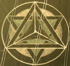 Merkaba Crop Circle at Wanborough Plain, nr Liddington, Wiltshire. Reported and July July Les Aliens, Aliens And Ufos, Ancient Aliens, Crop Circles, Nazca Lines, Alien Art, Ancient Mysteries, Freemasonry, White Horses