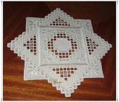 SARAH HARDANGER 14 ile ilgili görsel sonucu Types Of Embroidery, Learn Embroidery, Embroidery Patterns, Hand Embroidery, Hardanger Embroidery, Cross Stitch Embroidery, Bookmark Craft, Drawn Thread, Crochet Doily Patterns