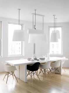 Modern Dining Room Table: 25 Timeless Minimalist Dining Rooms With Modern Dining Tables Modern Dining Room Tables, Dining Table Design, Dining Room Walls, Dining Room Sets, Dining Room Furniture, Dining Chairs, Eames Chairs, Lounge Chairs, Side Chairs