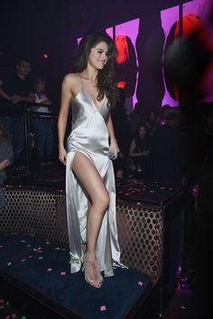 Pin for Later: Selena Gomez Fête le Début de Sa Tournée Avec une Soirée à Las Vegas