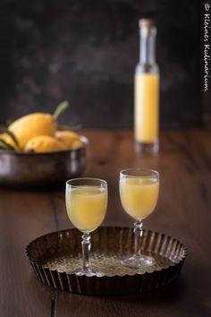 Limoncello - italienische Zitronenlikör. Ganz einfach selber machen und genießen oder verschenken.