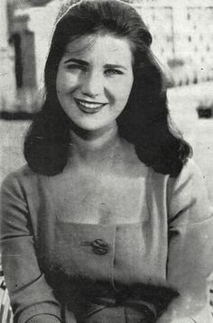Zebeda Tharwat | زبيدة ثروت Egyptian Beauty, Egyptian Women, Turkish Beauty, Arab Girls, Arab Women, Egyptian Movies, Arab Celebrities, 1940s Woman, Egyptian Actress