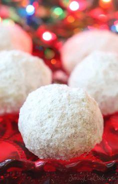 Easy Christmas Pecan Balls (Snowballs) – Jenny Can Cook Christmas Pecan Balls recipe from Jenny Jones (Jenny Can Cook) Christmas Sweets, Christmas Cooking, Christmas Desserts, Simple Christmas, Xmas, Pecan Balls Recipe, Traditional Christmas Food, Candy Recipes, Yummy Recipes