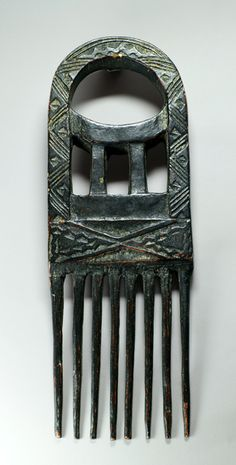 Africa | Comb from the Akan people of Ghana | Wood | 1960