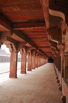Fatehpur Sikri Agra Fatehpur Sikri, near Agra, India India Visit India, Rajasthan India, Mughal Architecture, Ancient Greek Architecture, Thailand Travel Tips, Hampi, Mughal Empire, Grand Mosque, India