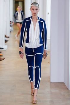 View the complete Courrèges Spring 2017 collection from Paris Fashion Week.