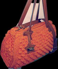"""Bauletto simil  Missoni   Accessori in vera pelle  lavorazione crochet con cordino disponibile in vari colori!  Per info Kgkboutique@gmail.com  #leatherbag#crochet#kgkboutique#missoni#borseuncinetto"""""""