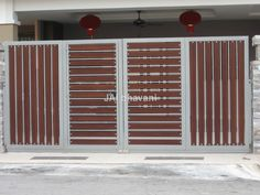 These driveway gate design ideas are totally inspiring and will drop your jaw! Latest Gate Design, Modern Main Gate Designs, House Main Gates Design, Grill Gate Design, Front Gate Design, Steel Gate Design, Door Gate Design, Main Door Design, Modern Design
