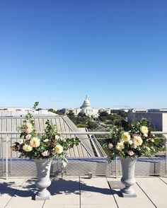 Quintessential #dcwedding with the most epic of views this weekend at the @newseum !  #wildgreenyonder #dcflorist #dcwedding #ceremony #cityscape #skyline #uscapitol #weddingflowers #weddinginspiration #dahlias #cafeaulait #ceremonydecor