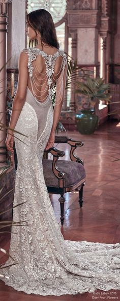 Galia Lahav SS 2018 Wedding Dresses – Victorian Affinity | Deer Pearl Flowers / http://www.deerpearlflowers.com/galia-lahav-ss-2018-wedding-dresses/