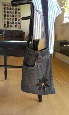 Denim bag with flower