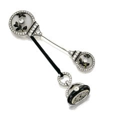 Bijoux Art Deco, Art Deco Jewelry, Vintage Jewelry, Fine Jewelry, Jewelry Design, Vintage Brooches, Art Deco Watch, Art Deco Period, Black Enamel