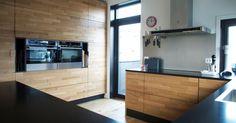 For oss på Hamran er kjøkkenet det viktigste rommet i huset, og vi ønsker å designe hvert enkelt kjøkken med sin egen personlighet. Velkommen til visning.