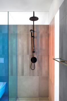 Concrete bathrooms with colour-changing shower screens feature in this renovated apartment inside Moshe Safdie's brutalist Habitat 67 in Montreal, Canada. Concrete Bathroom, Concrete Tiles, Design Studio, House Design, Architecture Design, Brutalist Buildings, Open Showers, Apartment Renovation, Apartment Ideas