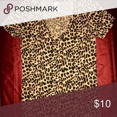 Victoria Secret Pink Leopard Print V-neck Victoria Secret Pink Leopard Print V-neck (XS but fits a little loose so more like a small) EXTREMELY COMFY!! PINK Victoria's Secret Tops