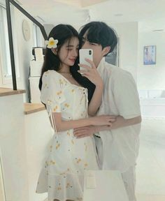 Image may contain: one or more people, people standing and indoor Korean Boys Ulzzang, Ulzzang Couple, Ulzzang Girl, Cute Couple Outfits, Parejas Goals Tumblr, Human Poses Reference, Kpop Couples, Couple Aesthetic, Korean Couple