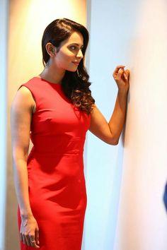 Rakul Preet Singh in red hot dress at Theeran Adhigaram Ondru Interview. Telugu actress Rakul Preet Singh in hot red dress photos. Indian Film Actress, South Indian Actress, Indian Actresses, Most Beautiful Indian Actress, Beautiful Actresses, Rakul Preet Singh Saree, Preety Girls, Indian Celebrities, Hot Dress