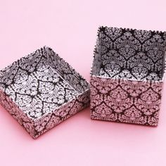Google Image Result for http://www.destinationweddingfavors.com/images/D/black-and-white-damask-favor-boxes-details-2.jpg