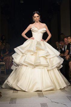 Vestidos de noiva de Zac Posen para Coco Rocha | O blog da Maria. #casamento #vestidodenoiva
