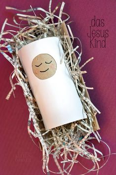 ★Les Tissus Colbert toilet paper roll made into baby Jesus in the manger - write a Bible verse on this kid craft - can make it into an ornament Preschool Christmas, Christmas Nativity, Christmas Crafts For Kids, Preschool Crafts, Kids Christmas, Holiday Crafts, Jesus Crafts, Bible Story Crafts, Happy Birthday Jesus