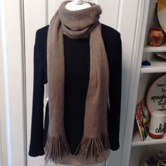 Scarf Warm knit type material ,10% wool 90% acrylic  ,has small snag in picture 4. W. 13 L. 76 Accessories