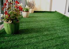 Gazon synthétique: savoir poser une pelouse artificielle sur son balcon
