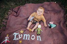 Mały Książę. Darmowy wzór amigurumi - Lysamowi.pl - LYSAMOWI.PL  Little Pronce amigurumi free pattern Kids Rugs, Christmas Ornaments, Knitting, Holiday Decor, Crochet, Handmade, Free, Xmas Ornaments, Crochet Hooks