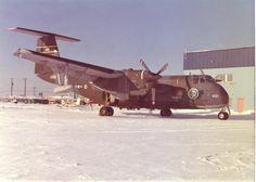 Rare bird - Yellowknife, North West Territories, 1975, DH XC8A Buffalo Air Cushion Landing Test aircraft; joint Canada- US trials, nose 451. This was a unique program where the modified Buffalo landed on ice, snow or water with an inflatable rubber air cushion under the belly and wing floats. Stol Aircraft, Aircraft Propeller, Air Machine, Northwest Territories, Rare Birds, Otter, Military Aircraft, Cousins, Airplanes