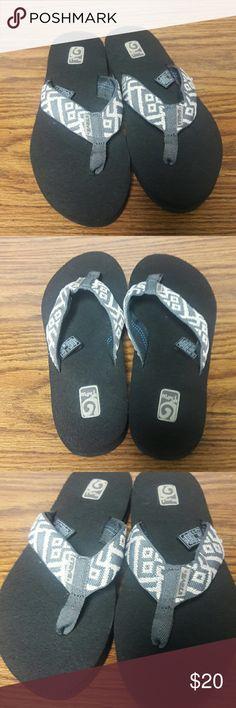 901518c5def4 New Women s Teva Mush II Flip Flop Sandals size 7 New Women s Teva Mush II Flip  Flop Sandals size 7 Teva Shoes Sandals