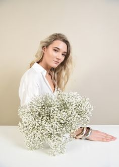 Spring emotions #spring #poema #poemaro #blouse #whiteblouse #white #flowers #emotions White Flowers, Sequin Skirt, Sequins, Blouse, Spring, Casual, Skirts, Fashion, Poem