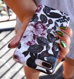 Saturday morning vibes #shadowblossom #LA #elementalcases available for #iphone8 #iphone8plus #iphonex shop the entire collection of Floral cases for iPhone 8, iPhone 8 Plus & iPhone X from Elemental Cases