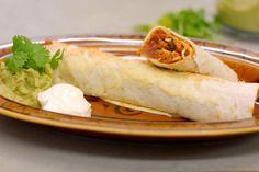 Een enchilada kan je wellicht nog het makkelijkst omschrijven als een tortillawraps die wordt gebakken in de oven. Er hoort kaas bij en guacamole, op basis van rijpe avocado