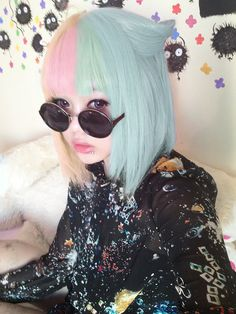 Pink & blue two-tone hair / Pastel Goth look Kawaii Hairstyles, Pretty Hairstyles, Hipster Hairstyles, Pastel Goth Fashion, Pastel Goth Hair, Grunge Hair, Rainbow Hair, Hair Goals, Dyed Hair