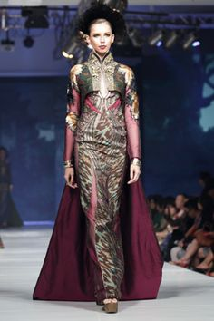 Transformasi Dramatis Kain Endek Bali dari Deden Siswanto   Culturecstatic Batik Kebaya, International Fashion, Ikat, Fashion Women, Bali, Up, Ball Gowns, Ethnic, Saree
