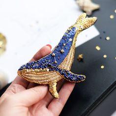 ⭐️⭐️⭐️ В самом разгаре #конкурсзвездныхброшей Поэтому я решила показать вам размер своего звёздного кита На изнанке у него бархат и две…