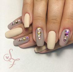 Diamonds are a girl's best friends 💍💎 #shellac #gelpolish #идеидизайнаногтей #идеиманикюра #nailart #naildesign… Nailart, Manicure, Beauty, Nail Bar, Nails, Polish, Manicures, Beauty Illustration, Nail Manicure