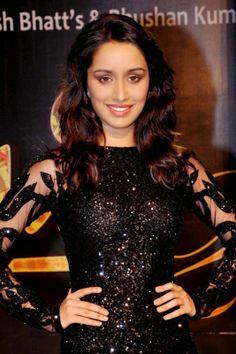Shraddha Kapoor Turns Singer for her Film 'Ek Villain'
