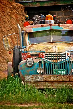 Old vintage cars motorcycles 23 super Ideas Old Vintage Cars, Vintage Trucks, Old Cars, Tow Truck, Pickup Trucks, Fire Truck, Antique Trucks, Antique Cars, Cool Trucks
