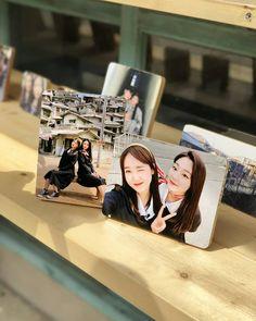 Yoojung & Mina (gugudan) South Korean Girls, Korean Girl Groups, Jung Chaeyeon, Choi Yoojung, Kim Sejeong, Jeon Somi, Ioi, Kyungsoo, Polaroid Film