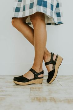 927366ce5 25 Best Closed Toe Summer Shoes images | Beautiful shoes, Flat Shoes ...