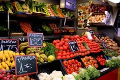 La Canasta - Atarazanas - Málaga - España Spain, Vegetables, Food, In Season Produce, Baskets, Restaurants, Sevilla Spain, Essen, Vegetable Recipes