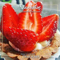 Puedes resistir la tentación? Un postre #SencillamenteDelicioso para complacer tus antojos en @cccaltavista2 y @orinokia_mall.  #fresas  #pasteles  #tortas  #postres #strawberry  #desserts  #cake  #cupcakes #instafood  #sweet  #Guayana  #puertoordaz #ZonaGourmet