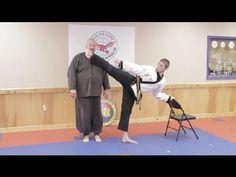 How to Improve Your High Kicking Skills in a Week : Hapkido & Taekwondo Techniques Taekwondo Video, Taekwondo Techniques, Kempo Karate, Korean Martial Arts, Martial Arts Workout, Hapkido, Flexibility Workout, Wing Chun, Krav Maga