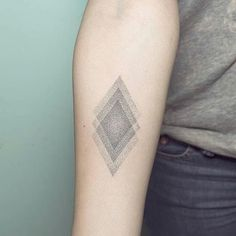 #Handpoked rhombus #tattoos by Nano @pontotattoo