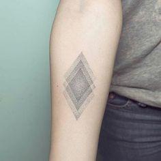 #Handpoked rhombus #tattoos by Nano @pontotattoo
