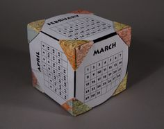 http://www.mootepoints.com/PhotoOp_Gallery/Photo%20Cube%20Calendar.JPG